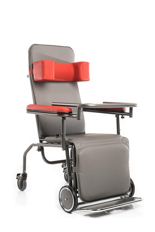 die fro pflegestuhl serie bestehend aus transportst hlen pflegest hlen pflegesessel mit. Black Bedroom Furniture Sets. Home Design Ideas